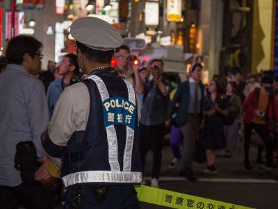 渋谷ハロウィン 警察官
