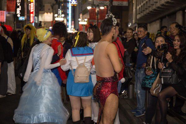 渋谷ハロウィン コスプレ 外国人